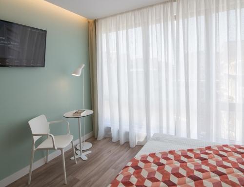 LG Pro Centric Smart Infotainement τηλεοράσεις επέλεξε το Kubic Athens Hotel